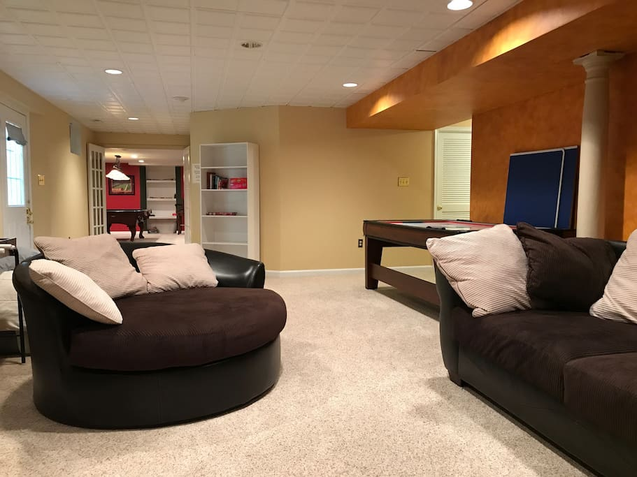 Spacious (1000 sf) Basement Suite