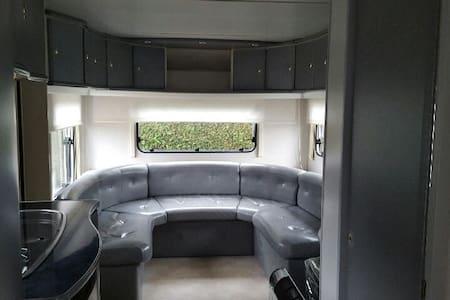 Caravane sur propriété - Haisnes - Karavan/RV