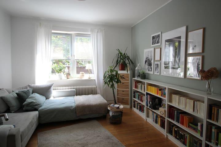 Gemütliche Couch im Pelikanviertel!
