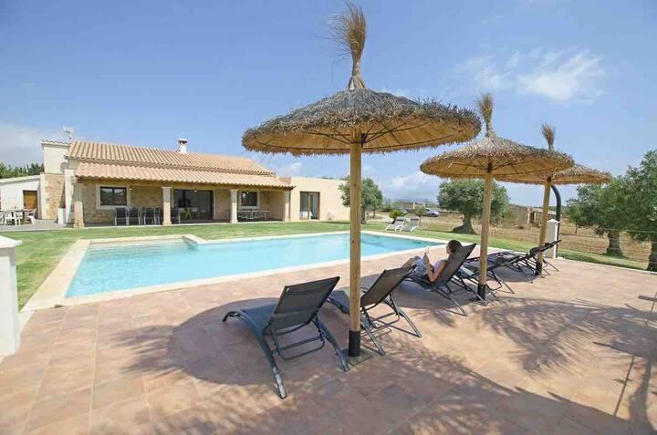 Villa Mediterranea for 10 , new luxury Villa .