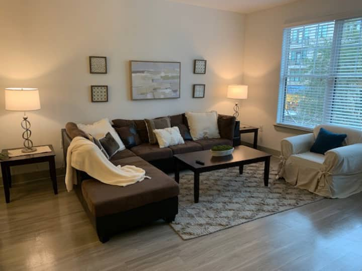 Fabulous 1 bed\1 bath fully furnished Alpharetta
