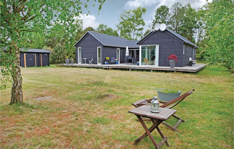 Holiday cottage with 3 bedrooms on 100m² in Sjællands Odde