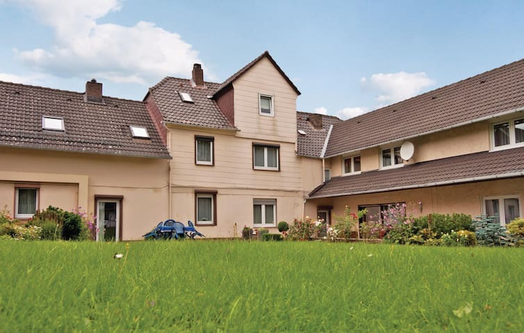 Holiday apartment with 3 bedrooms on 90m² in Fürstenberg/Weser