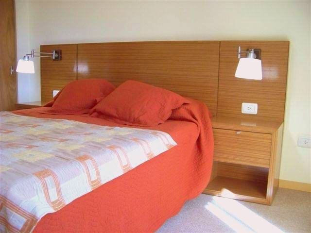 R III. Perfecta ubicación, amplio, limpio. Cochera - Rosario - Appartamento
