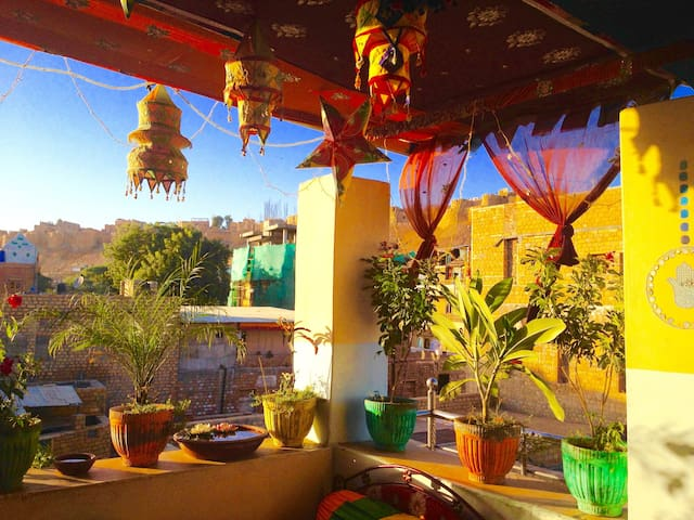 Friendly & peaceful en-suite 'Jewel of Jaisalmer'!