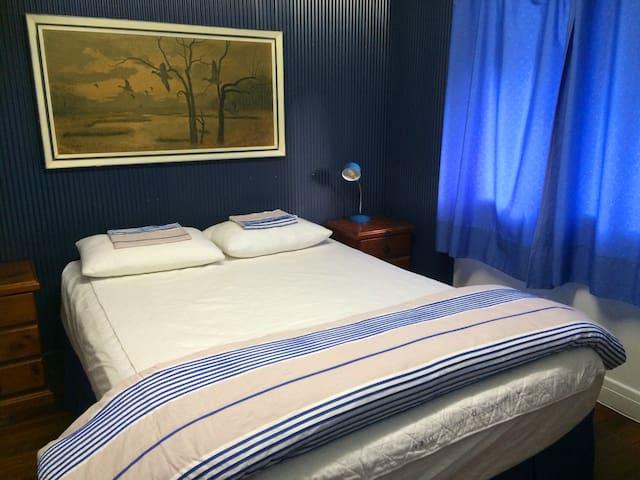 Bedroom 2 Queen upstairs