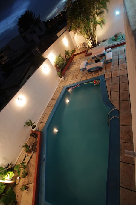 SWIMMING POOL BY NIGHT  & PATIO
