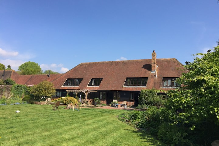 South Downs - Beautiful barn in 2.5 acres
