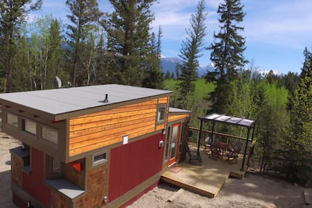 New Tiny House on Creekside Acreage - Invermere