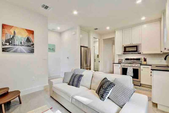 Modern New Zilker Cottage