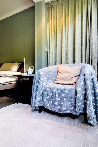 大床房单人沙发
