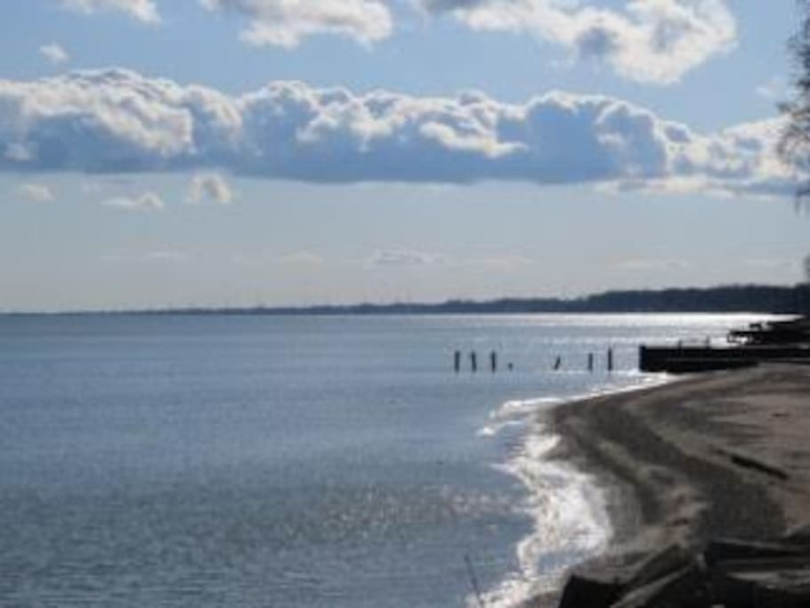 Two Views Beach House Cottages For Rent In Erieau
