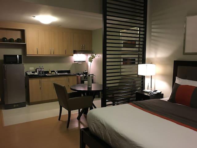 Avant Serviced Suites Personal Concierge Studio 1