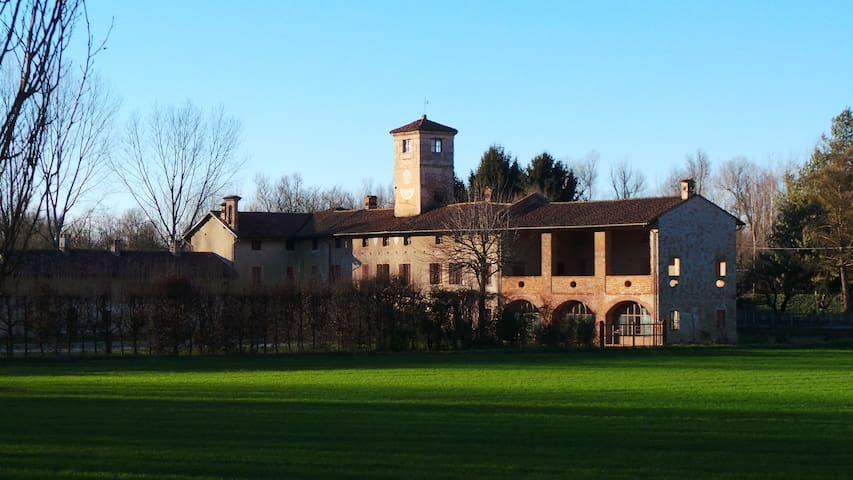 Antica grande cascina in Monferrato - Valmacca - House