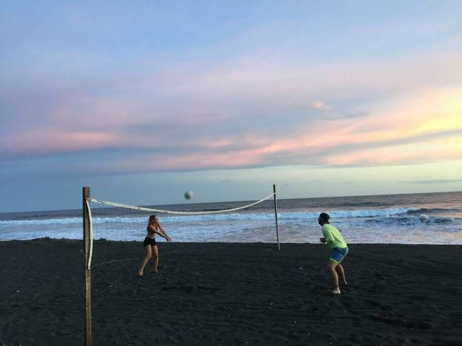 Area de volleyball de playa para entretenimiento
