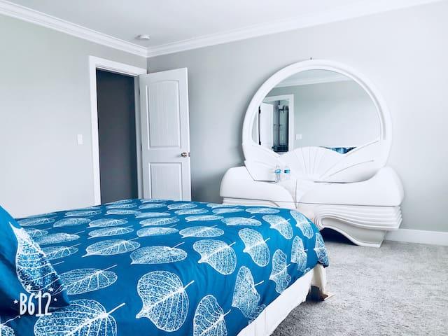 1 room (private bathroom)
