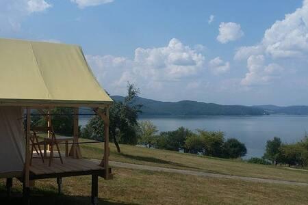 Monica Camp&Glamp - Holčíkovce - 帐篷