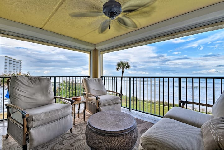 Lavish Beachfront Condo w/Balcony+Pool Access