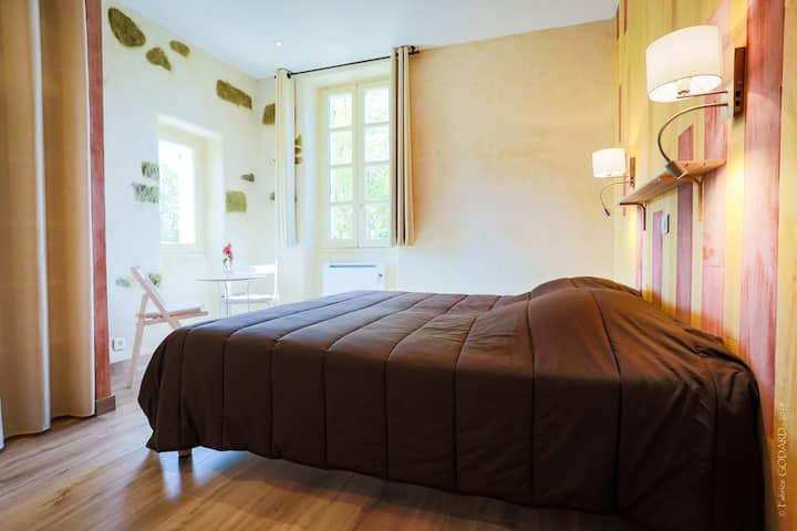 Chambre Cassis-Double room-Ensuite with Shower-Comfort-Garden View