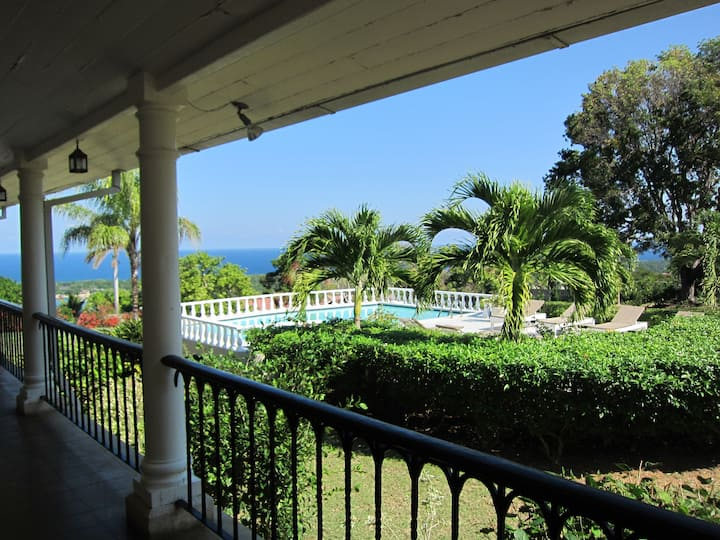Mount Corbett estate overlooking Discovery Bay