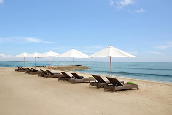Beachfront Resorts #1