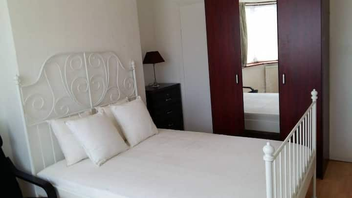 Spacious sunny double room