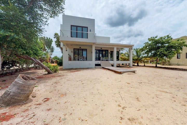 Oceanfront home w/ private beach, ocean view, kayaks, rooftop, WiFi & partial AC