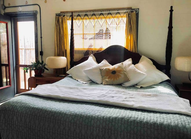 Hawthorne Guest House with heated king bed.