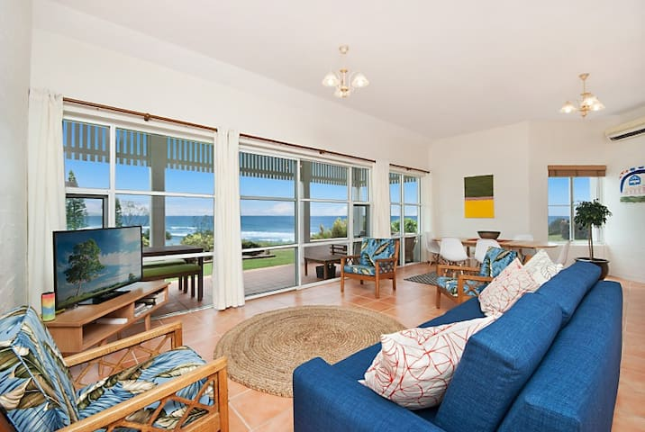 Absolute beach front - stunning views 7 Mile beach - Lennox Head - Appartement
