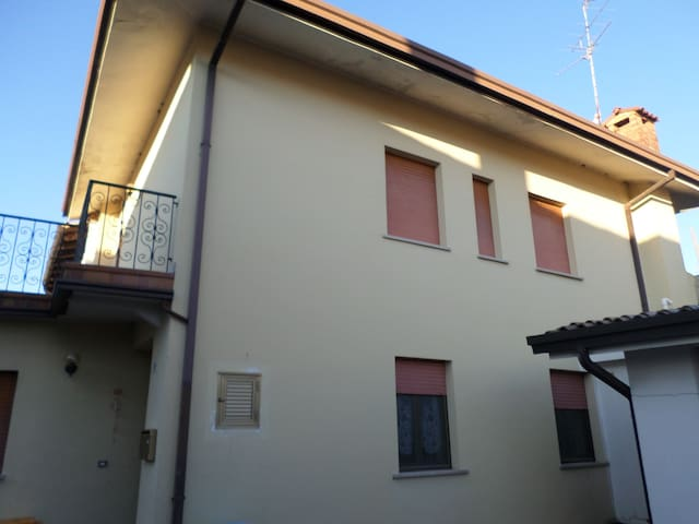 Maison 3 chambres avec 2 garages, au calme