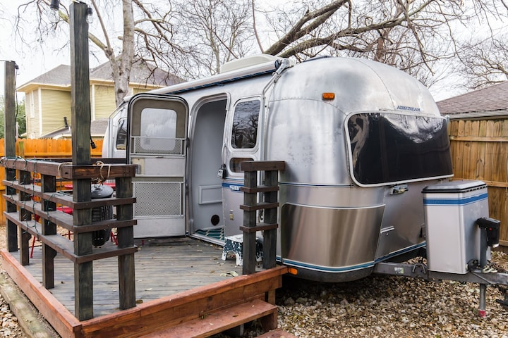 Airstream Getaway in Prime Location