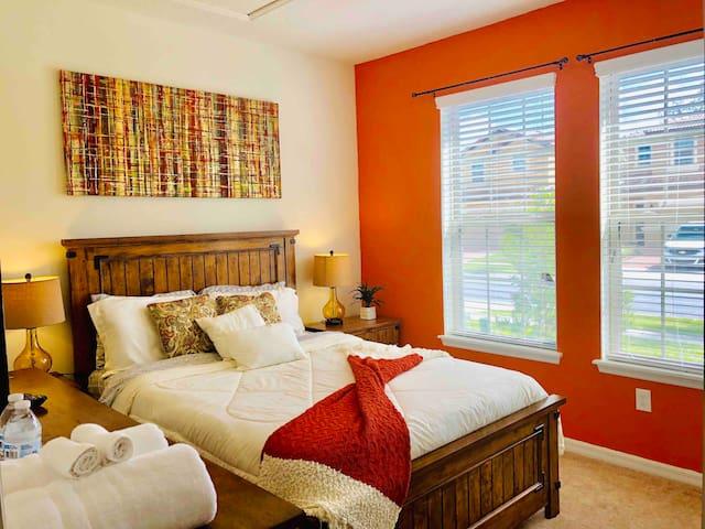 Cozy room. Resort amenities. Disney World.