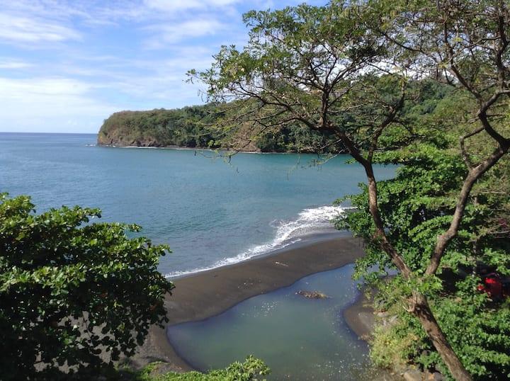 Duplex vue mer, accès direct à la plage le luxe!