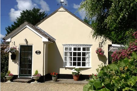 Garden Cottage Tolpuddle Dorset - Tolpuddle
