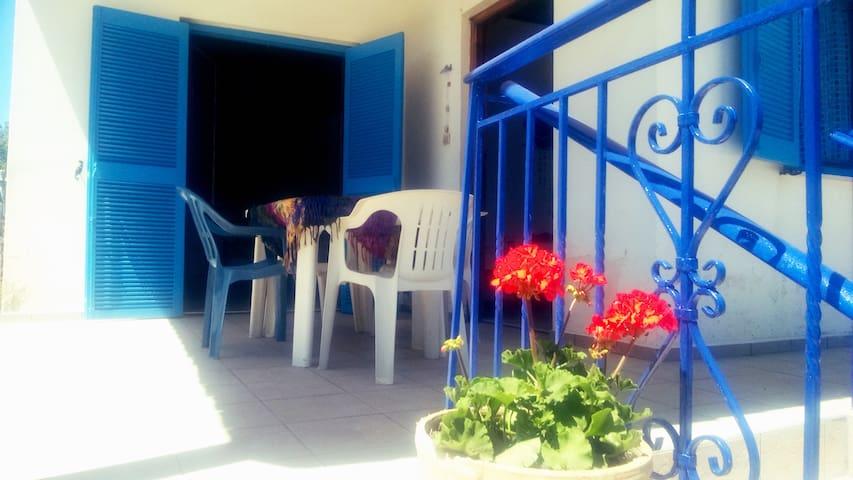 beach house paradise (a Greek experience)