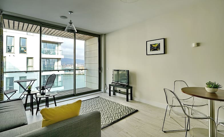Stunning Luxury Arc Apartment