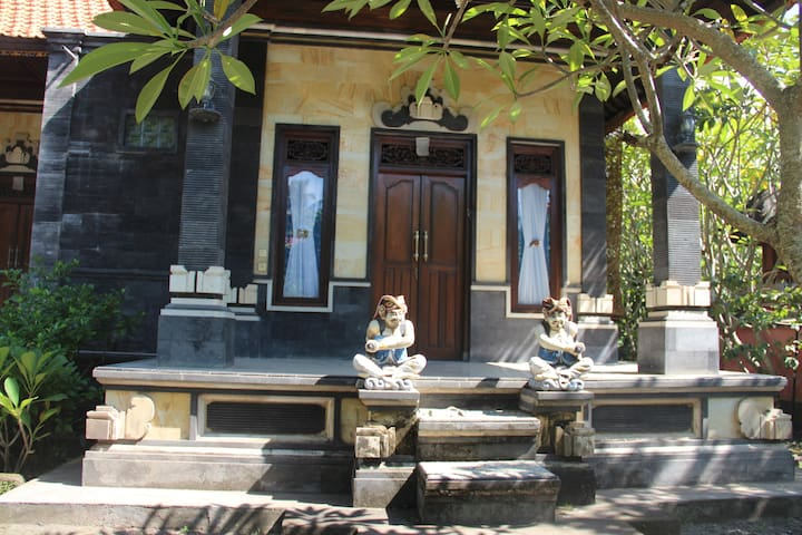 Maison Traditionnelle Balinaise