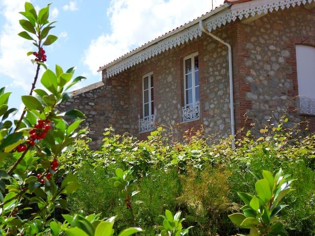 Charmante maison de village de 145m2 - Prades - House