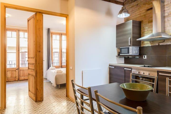GRACIA, classy & sunny, 2 bedrooms