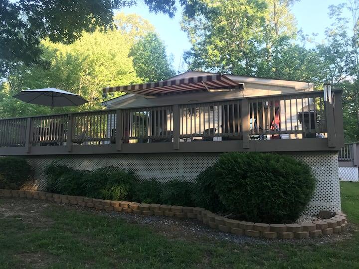 Lake Daze Cottage at SML.