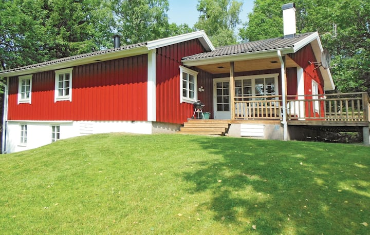 Beautiful home in Gislaved with Sauna, WiFi and 4 Bedrooms