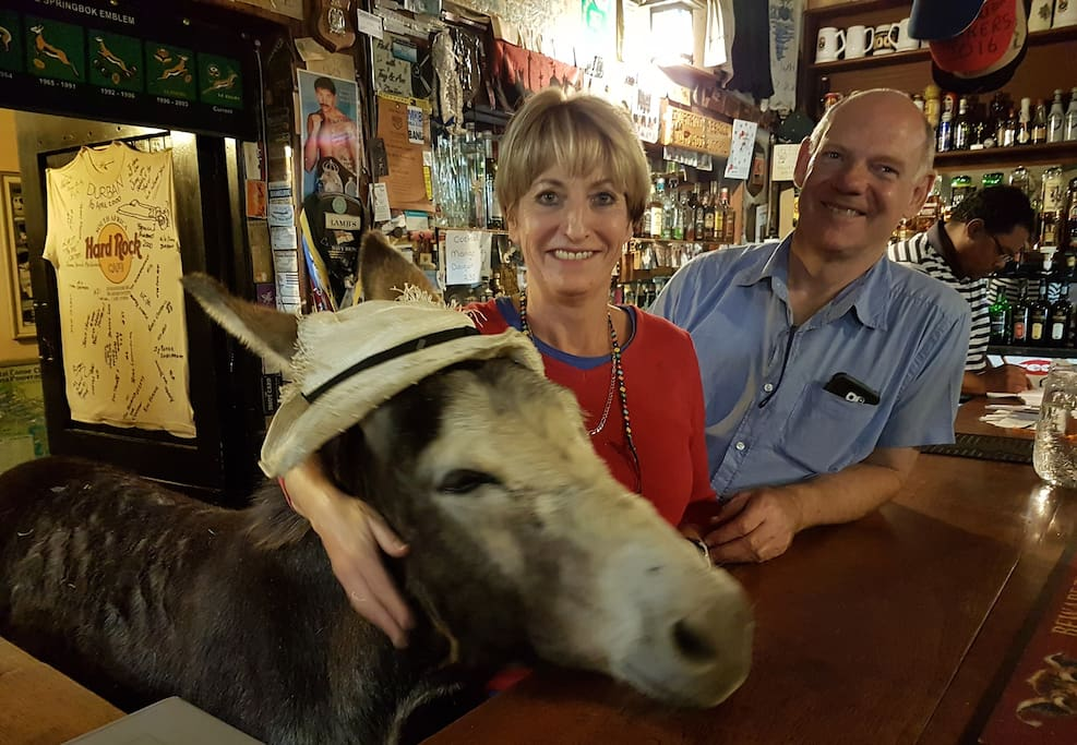 Bill & Gail in the pub with Bo