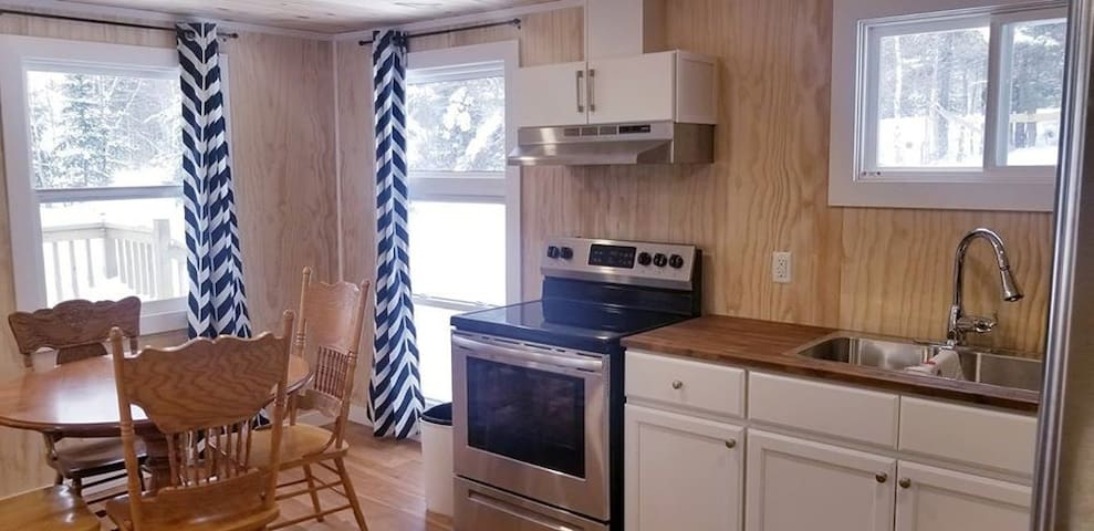 Fresh and New Cabin ~ Getaway within Gallants