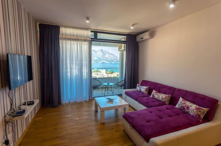 Fantastic Studio with Sea View and Balcony - Budva - Apartemen