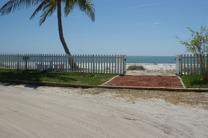 Summer Breeze- 7 Day Min Rentals - Upper Captiva