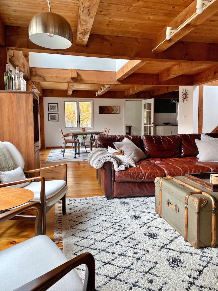 Rustic & Renovated Hudson Valley Cabin