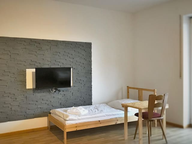 Helles 3-Bett-Zimmer in Bodenwöhr (ID 201/WE6/Z7)