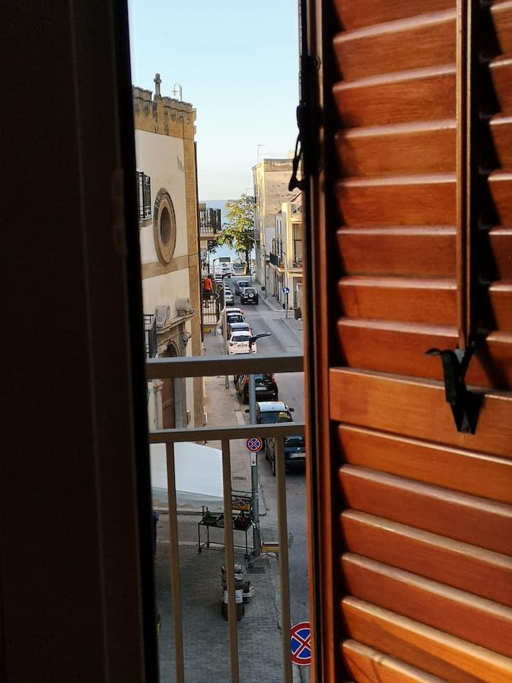 Corso Diaz 65 - 1 piano - centro fronte mare