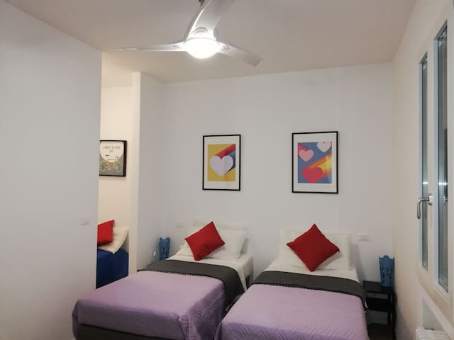 Stop Over BLQ very near Bologna airport. ROOM 2