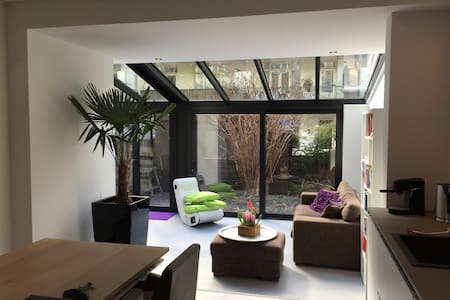 Trendy loft with glass sunroom - Amsterdam